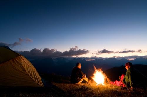 Die richtige Ausrüstung für den Abenteuerurlaub in der Wildnis